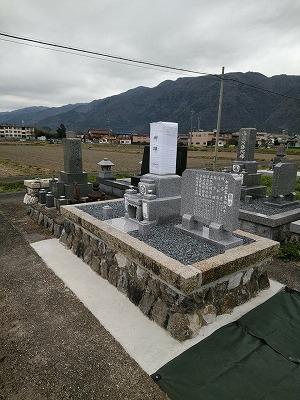 お墓の建て替え工事
