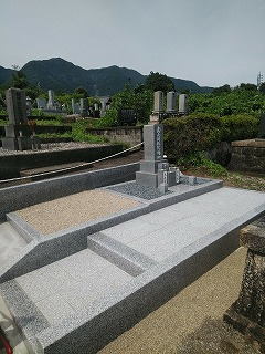 墓石の再建工事